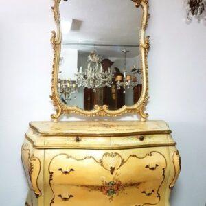 bijela-venecijan-komoda-ogledalom-slika-95453780
