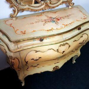 bijela-venecijan-komoda-ogledalom-slika-95453782
