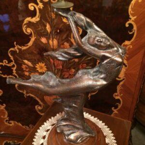 broncana-figura-svijecnjak-slika-73162948