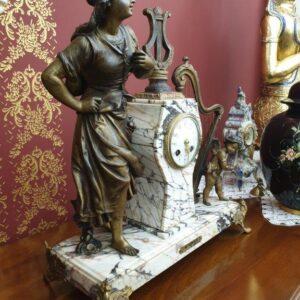 old-antique-clock