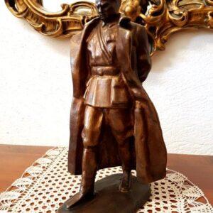 skulptura-tita