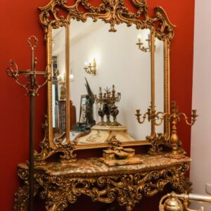 velicanstvena-drvena-konzola-mramornom-plocom-ogledalom-slika-122904401-1