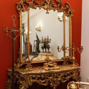 velicanstvena-drvena-konzola-mramornom-plocom-ogledalom-slika-122904401